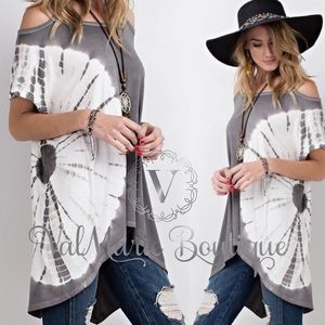 Tie Dye Tunic Cold Shoulder Top in Gray